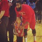 RT @HoustonRockets: Get a pic with Harden in your Harden jersey. Good night for this young fan. http://t.co/D1ulvtZCIE