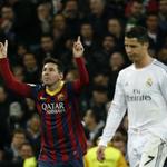 """RT @History_Futbol: Lionel Messi récord en """"El Clasico."""" - Más goles: 21 - Más asistencias: 12 - Más HAT-TRICK'S: 2 Solo 27 años… http://t.co/I2QP4mIfL4"""