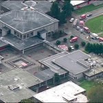 Heridos tras tiroteo en secundaria de Washington http://t.co/FXGpURoq00 http://t.co/DdByTi6Dmx