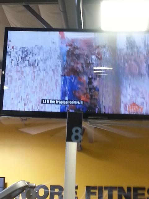 Love the bad reception on @chuzefitness tvs. http://t.co/ZgFA31GIjM