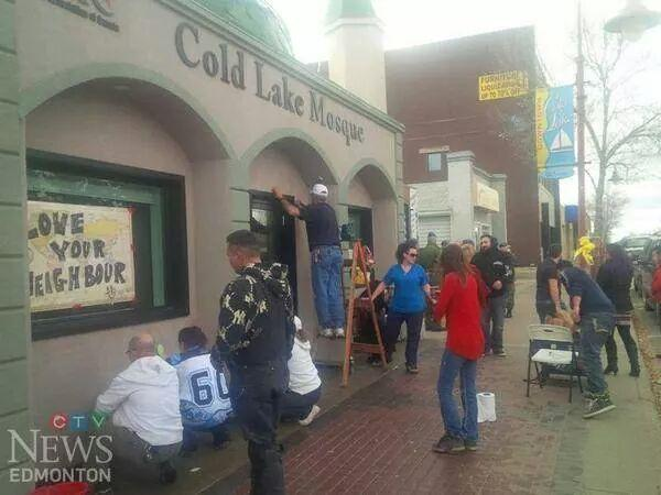 Love it:) MT @KikkiPlanet: #ColdLake citizens show up en masse to clean Mosque graffiti'd by racist thugs. #cdnpoli http://t.co/yt91LD6eAY