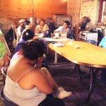 Reunión con vecinos del Barrio Razquin de #GodoyCruz @lukasilardo @afernandezk http://t.co/0uu84QUMDc