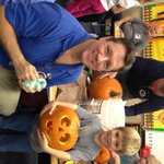 RT @THNewz: Helping the kids carve pumpkins for school parade at Harrisburgs Endeavor Elementary with my buddy Caden @KDLTNews http://t.co/XFHaO0jmUr