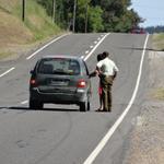 RT @biobio: FOTOS | Sorprenden a conductor golpeando a su pareja en una ruta de Quillón http://t.co/inGM2tk4vW http://t.co/5AJ74EgNho