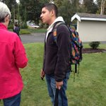 Erick Cervantes called 911 as lunch lady grabbed gunmans arm; said shot then fired into gunmans neck. #Marysville http://t.co/r9PXDKCklt