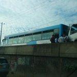 #NacionalesDLP Bus de alcaldía de San Salvador vuelve a quedar varado y genera tráfico > http://t.co/yHqvW0XV93 http://t.co/8RWEwIyQv4