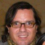 RT @isacamerondiaz: @DonDateador RT Desaparecido el Curicano Alexis Yovanovic. Cualquier información a su hermana @PiaYovanovic http://t.co/PRjWBuXoyB