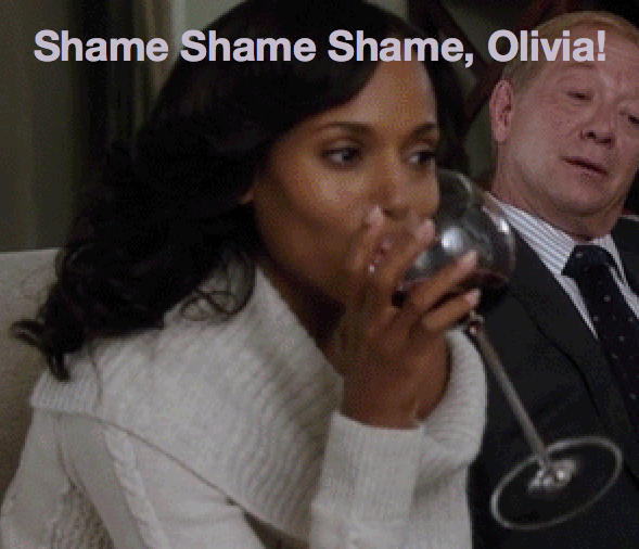 Olivia Pope! Stop holding your wine glass by the bowl! Wine glasses have stems for a reason. #wine @kerrywashington http://t.co/L43EOiSBUP