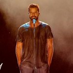 RT @Televisivamente: Acá Ricky haciendo stand up #SeHanFijadoQue http://t.co/cwBuKCP8Gc