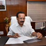 #AchheDin for Railway Minister DV Sadananda Gowda.assets have increased from Rs.9.88 crores to 20.35 crores. HOW??? http://t.co/CFFAl7Xwxp