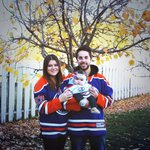 "#WeAreOilCountry --> RT @DesuraeMarie How we do ""Family Game Night"". Callies first @EdmontonOilers game! http://t.co/qf1f06Cxpq"