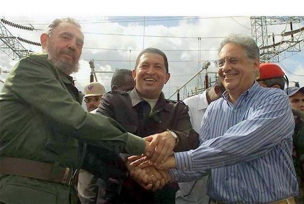 @zehdeabreu @stanleyburburin  A vida como ela é!  FHC, Chaves, Fidel http://t.co/Q4Iaq1mTkE