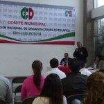 "Taller ""La Reforma Electoral"" impartido por personal del #INE @CNOPMpalSLP @marthaor2010 @CNOPslp_ @Cristina_Diaz_S http://t.co/GFqVOkm721"