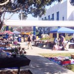 RT @VeniceACM: Venices #OG #FleaMarket tomorrow 9-4 at #Venice High School! #FREE entry + parking ✌️ http://t.co/eGdIFHKP4A