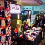 RT @ryanjespersen: Game day! #Oilers #Canes #NHL #yeg #HockeyFightsCancer #GitYerMitts http://t.co/2R4TIoyA7U