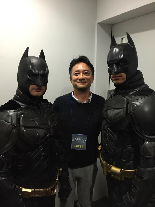 千葉ットマンと川崎バットマン、御二方に囲まれ、ニタニタしております。ごっさむです! http://t.co/pvGTho33c4