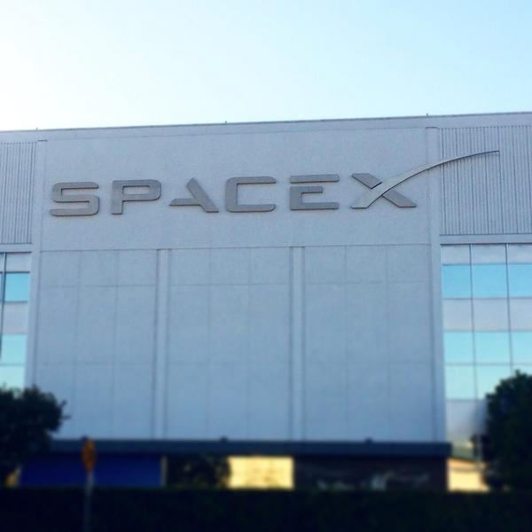 Spent the day at @SpaceX witnessing metal #3dprinting at scales I've never seen before! @elonmusk is a genius :) http://t.co/R9i0qHA9b8