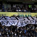 RT @laaficion: ???? FOTO: 'Resiste Ayotzinapa', la manta solidaria de la grada de Gallos http://t.co/D4kFXpZg8c http://t.co/jIzur5APiW