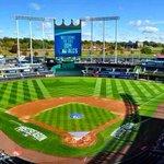 Kansas City @Royals take Game 3! #KC #KCMO #Royals #WorldSeries #BeRoyal #TakeTheCrown http://t.co/nVnhHQyvVZ