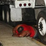 Balacera dejó 2 acribillados en Tetela, Tierra Blanca, uno murió durante el ataque #Veracruz http://t.co/EiKqumX7M1 http://t.co/xi14f9vIrN