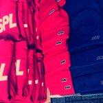RT @S4SPL: SASPLグッズ!!! え!Tシャツだけじゃなくてトートもパーカーもニット帽もあるの!? え?!どれか買うとステッカー付いてくるって!?!?買うしかねえ!! http://t.co/QLz776Pqae