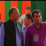 Finance Minster Arun Jaitley reaches BJP headquarters for #PMMediaMeet http://t.co/HITD9OM3ke