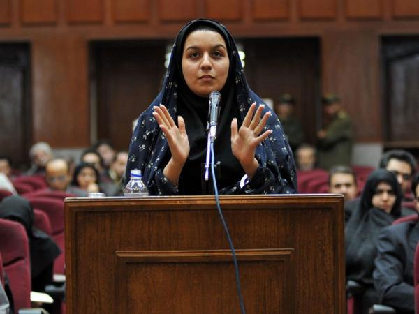 This is Reyhaneh Jabbari. She was hanged today in Iran. She was only 26 http://t.co/pxs4TZ445O http://t.co/t1mcWva7ij