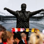RT @LFC: PHOTO: Fans gather around the Bill Shankly statue outside Anfield ahead of kick off #LFC http://t.co/cbK1Q2SBH8