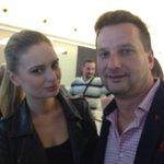 """@visnja_f: Prvi put sa @torbica na tviterašenje #SpomenikMajkluDzeksonu"" http://t.co/ba2Xa3oaqW"