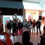 RT @NevenaBK: Ceka se pocetak #spomenikmajkludzeksonu http://t.co/mvMIgieQ3F