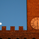 "Living in #Florence lets us ""time travel"" daily—but tonight, dont forget to literally turn back the clock for #DST! http://t.co/wviYrSRWve"