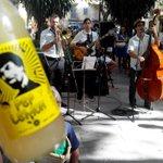 """Una @lemon_pep y buena música en el """"Mercat de Sant Rescat"""" de #Canamunt @AvvCanamunt #Palma http://t.co/kyUFemeYjP"""
