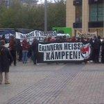 Fronttranspi der #KamalK #rassismustoetet Demo in #Leipzig . Schon mehrere Hundert TeilnehmerInnen http://t.co/YOGOnZhMCH