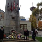 Guards at the #Vancouver Cenotaph honoring fallen soldier Cpl. Nathan Cirillo #OttawaShooting http://t.co/av5wbT6FVp