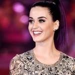 RT @hellogiggles: Happy birthday, @katyperry! Hellogiggles loves you! <3 http://t.co/faCuExtRqo
