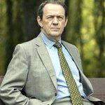 RT @Telkku_com: #KomisarioLewis alkaa 7. kauden jaksoin! Sarjan piti jo #muuten loppua, lue hauska tarina: http://t.co/MaCEBQWc8f http://t.co/nV7fLsLsas