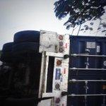 7:45 am y siguen sin quitar la rastra. #TraficoSV moderado en Autop. Los Chorros hacia occidente. Vía @DafneArevalo http://t.co/of3lwxuWRK