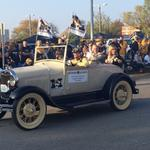 .@UMPrez rides in @Mizzou homecoming parade. Enjoy the day Tigers! http://t.co/oN1ok9GwNd