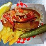 RT @lobstershack33: 1/2 LOBSTER ROLLS $6.50 on toasted bun w/chips/salad & pickle @HfxSeaportMrkt #lobster #halifax (pic is full roll) http://t.co/2p1sVUJxLI