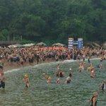 Mientras tanto... En #Acapulco un clima espectacular con 2,200 triatletas reunidos en #TriatlonTelcelAcapulco http://t.co/qAVPkC532W