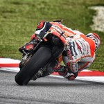 RT @marcmarquez93: Ayer en Sepang! / Yesterday in Sepang! Crash or Saved? ????✊ Photo by @GigiSoldano http://t.co/o3CrCU0vKn