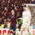 Lionel Messi y Cristiano Ronaldo se enfrentaron en 22 clásicos (2009-2014): Messi ganó 10 y Cristiano 6. http://t.co/y6HoaxOdEg