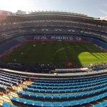 RT @carrusel: #CarruselClásico Otra imagen del Bernabéu. El césped en perfectas condiciones. Luis Enrique pisa el terreno de juego http://t.co/FcJ33kwWmQ