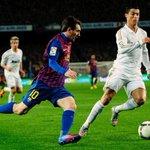 RT @numeroplayer: ÚLTIMOS 10 JOGOS: 5 vitórias do Real Madrid - 19 gols 3 vitórias do Barcelona - 17 gols 2 empates http://t.co/JP8a6WDjG8