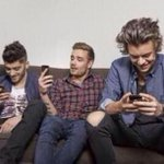 RT @Ziamshoodies: THE WHOLE 1D FANDOM WAITING FOR VEVO TO TWEET IF WE BROKE THE RECORD OR NOT BE LIKE: #VEVORecord #EMABiggestFans1D http://t.co/PFKR2e58II
