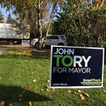 Do you know any homes with split lawns where one has a Tory sign, the other a Ford? #TOpoli #Toronto http://t.co/pONFRTo2kT