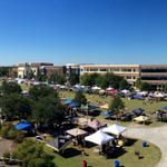 RT @UCFKnights: Not a single cloud in the sky on this glorious #UCFHC! #ChargeOn http://t.co/LNPou2gPde