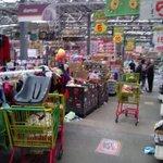 Normalistas se roban cosas de tiendas Aurrera y causan destrozos quien los va a detener nada cambio @SoyGuerreroMx http://t.co/UAJajVcRAq