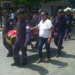 Santa Marta, Bomberos protestaron por principales calles de la ciudad, por la desicion tomada por @carlosecaicedo http://t.co/n4IKMgJrhY