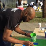 RT @Local24Bryan: #Memphis Grizzlies Vince Carter helping out in the community this morning, doing some painting as #NBA Cares. http://t.co/I7ZJvt8Bfk